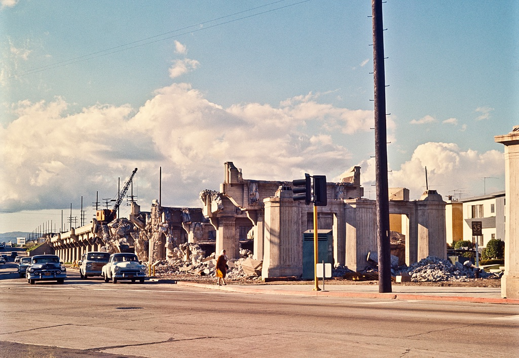 San Vicente viaduct demolition, 1962